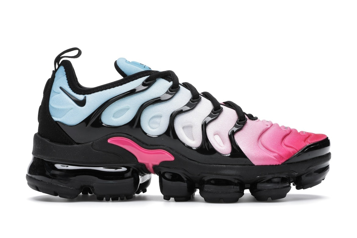 pink and black vapormax plus