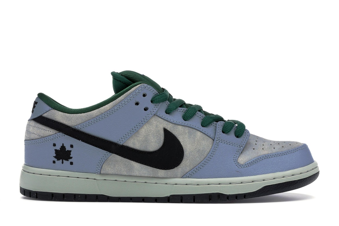 Nike Dunk SB Low Maple Leaf Central