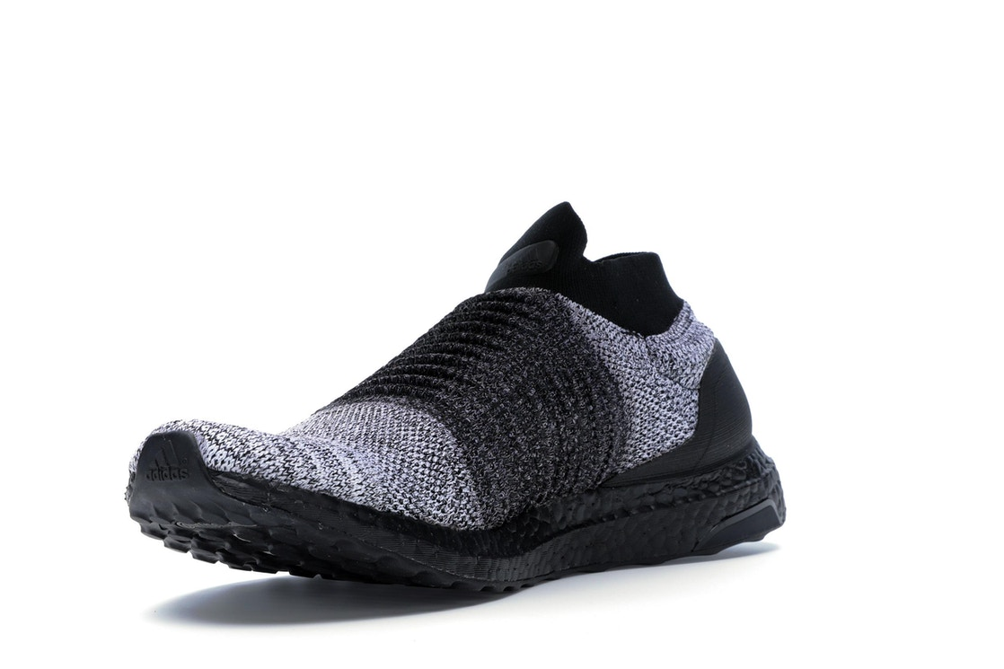 a73513bd01a14 adidas Ultra Boost Laceless Mid Black Oreo - BB6137