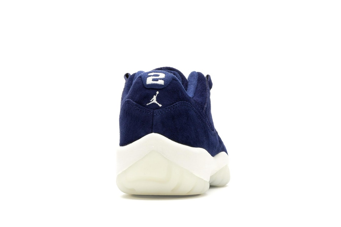 the best attitude 3cbbc 04b6d Jordan 11 Retro Low Derek Jeter RE2PECT - AV2187-441