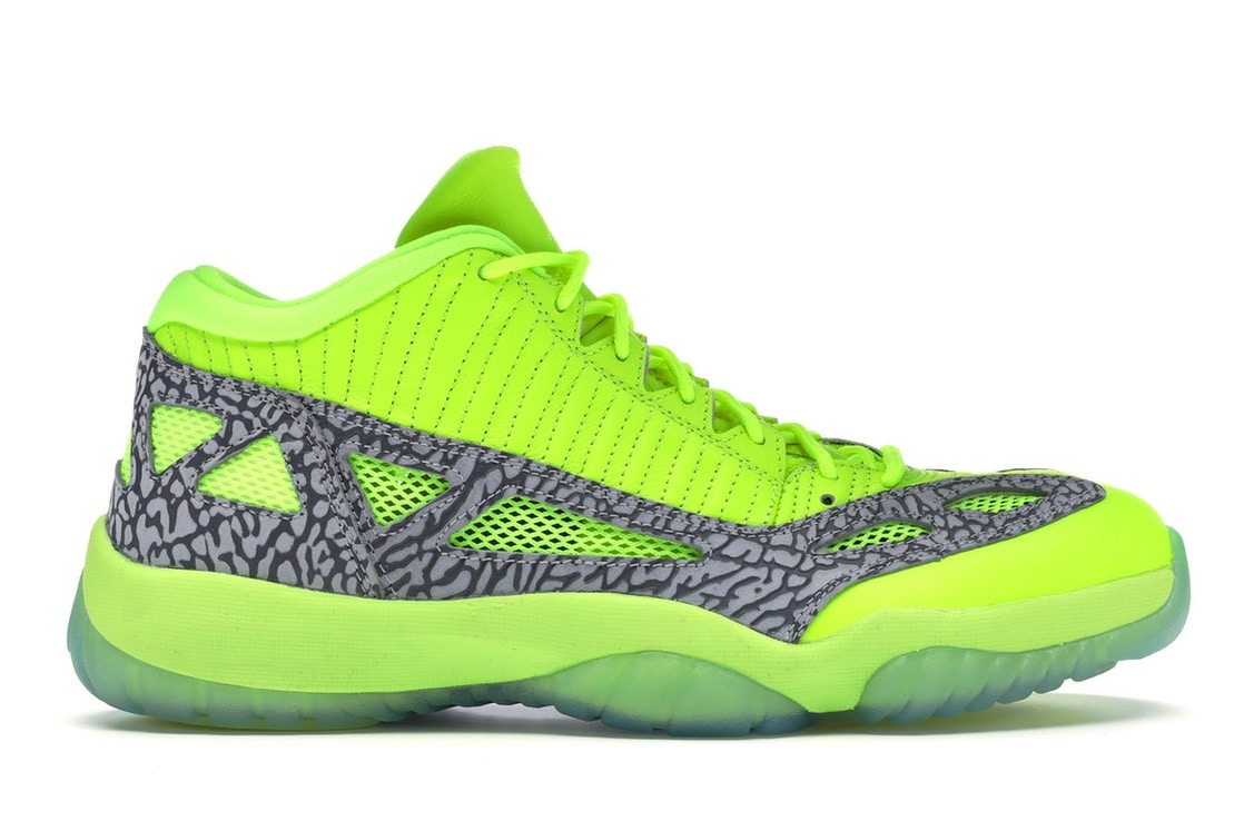the latest 95a22 ce8b3 Jordan 11 Retro Low IE Volt