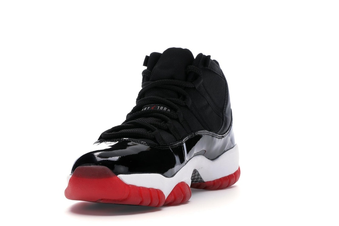 2888903eb34 Jordan 11 Retro Playoffs (2001) - 136046-061