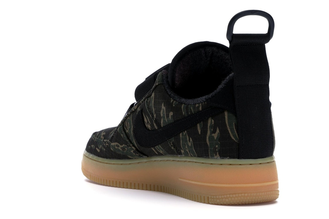 f7ae92ce960d5 Air Force 1 Low Utility Carhartt WIP Camo - AV4112-300