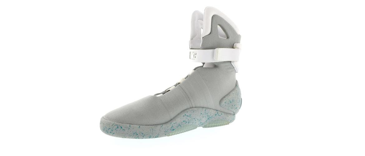 the latest 4219f 33c1f Nike Air Mag Back To The Future Price