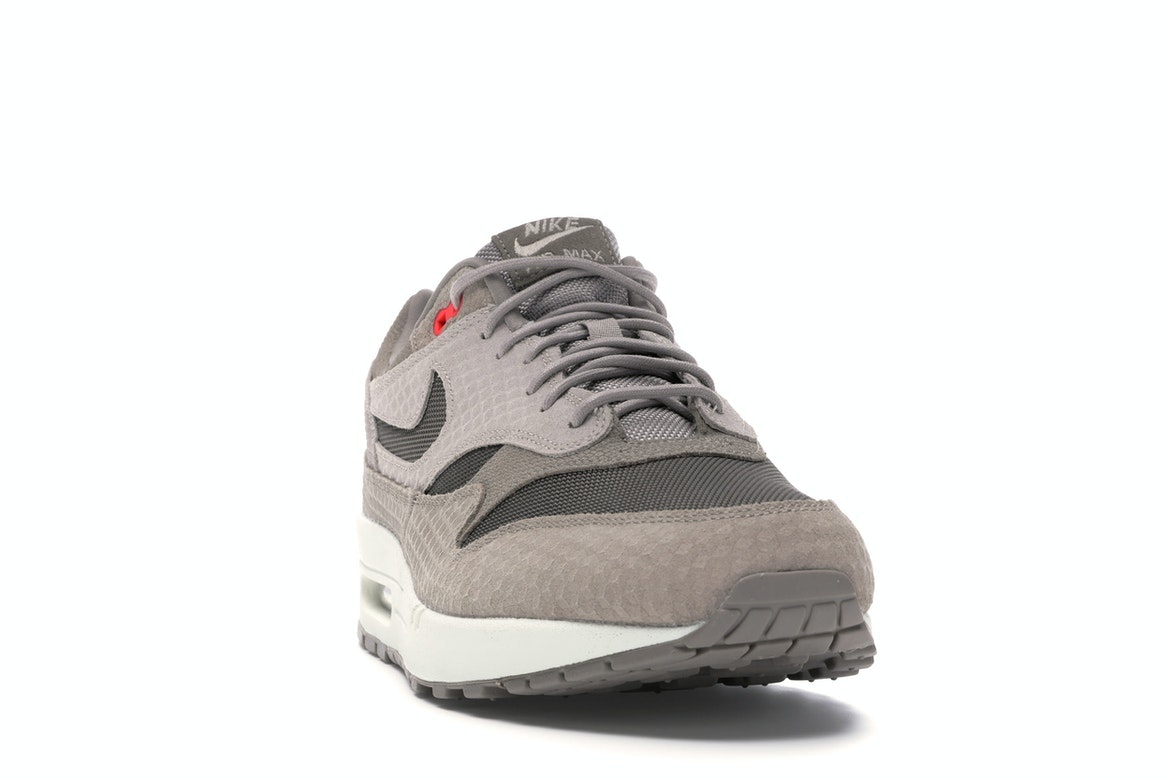 Air Max 1 Cut Out Swoosh Moon Particle