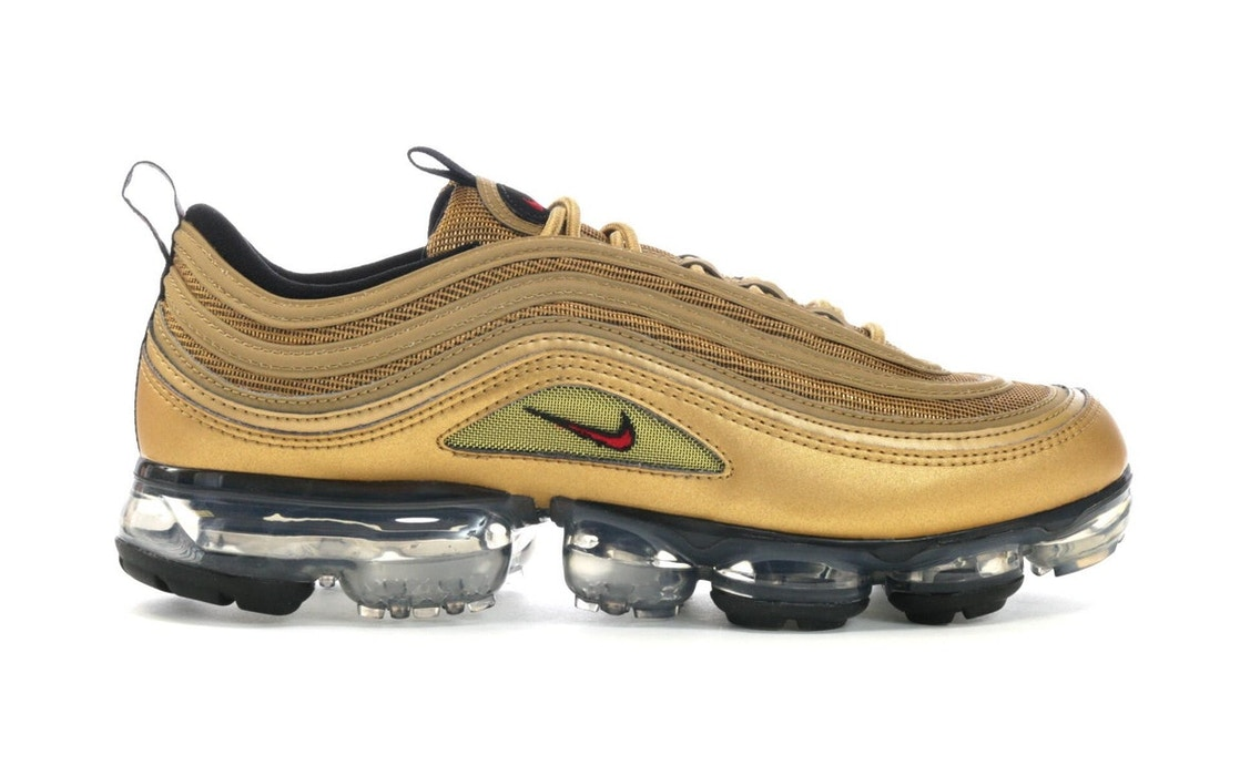 new product 90e1f d22fc Air VaporMax 97 Metallic Gold