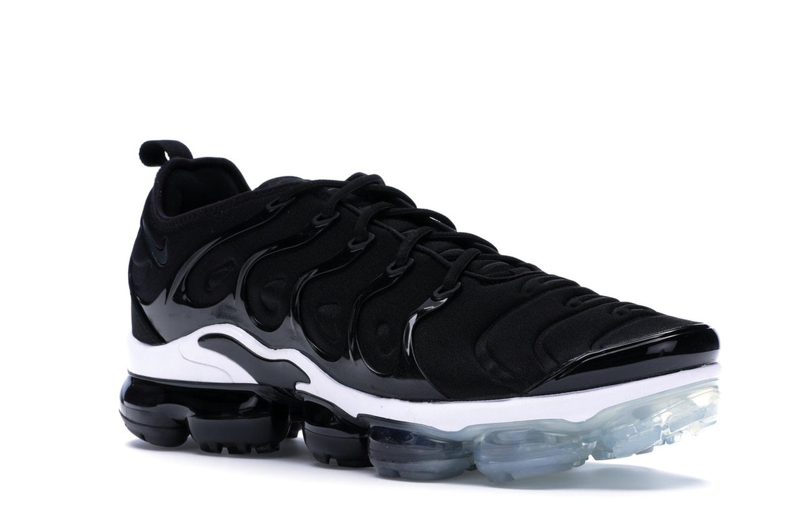 on sale d1e3a 97a2d Air VaporMax Plus Black White