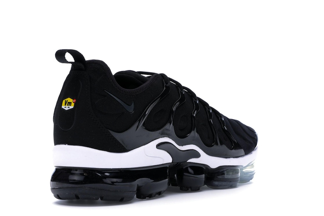 on sale 6b035 5b5c1 Air VaporMax Plus Black White