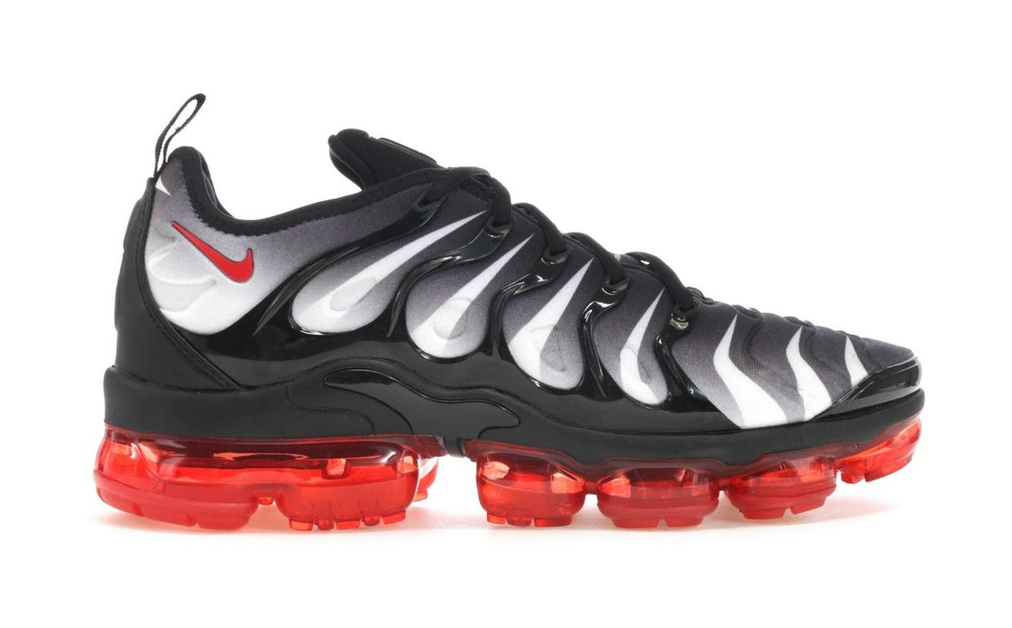 2b568237919 Air VaporMax Plus Shark - AQ8632-001
