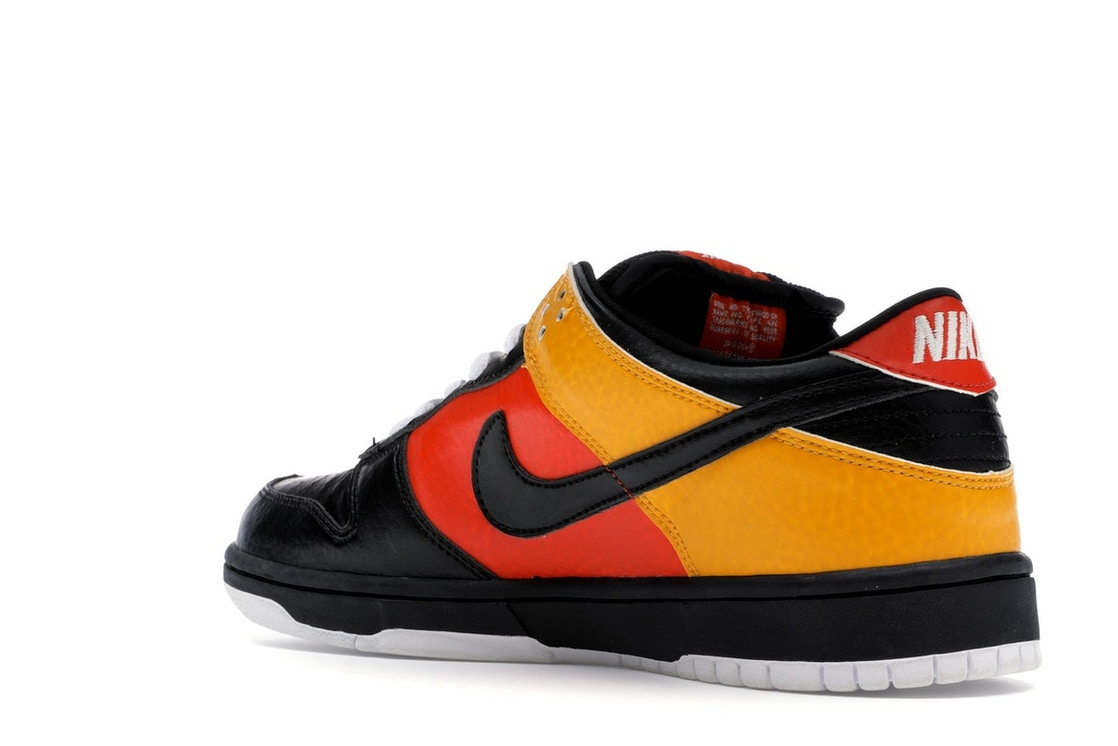 low cost 30aff 62c8f Nike Dunk SB Low Raygun - 304292-803