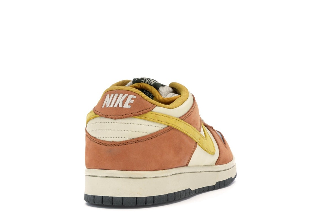 acfb8b738b Nike Dunk SB Low Vapour Mineral Yellow - 304292-271