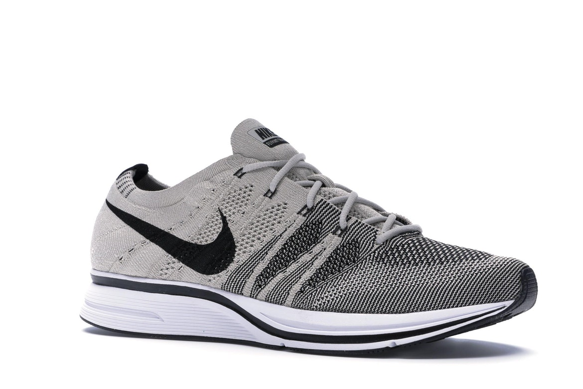 Flyknit Trainer Pale Grey