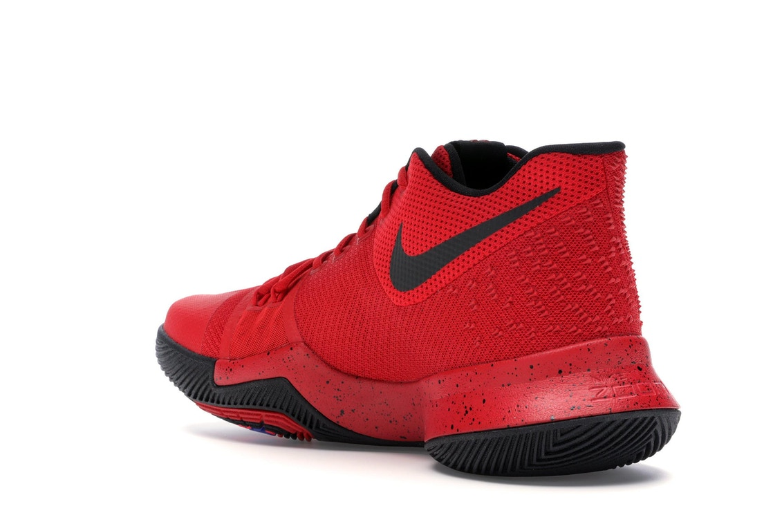 6a63280804a3 Kyrie 3 Three Point Contest Candy Apple - 852395-600