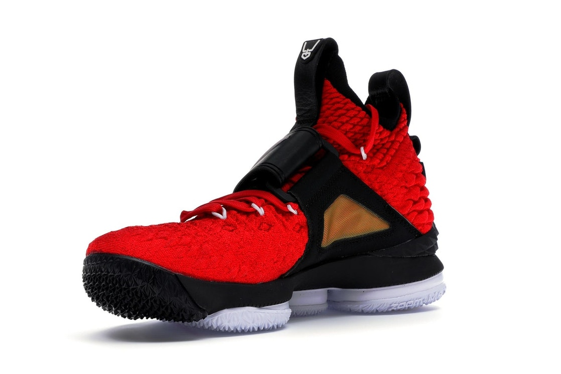 watch 7453c 15295 LeBron 15 Red Diamond Turf - AO9144-600