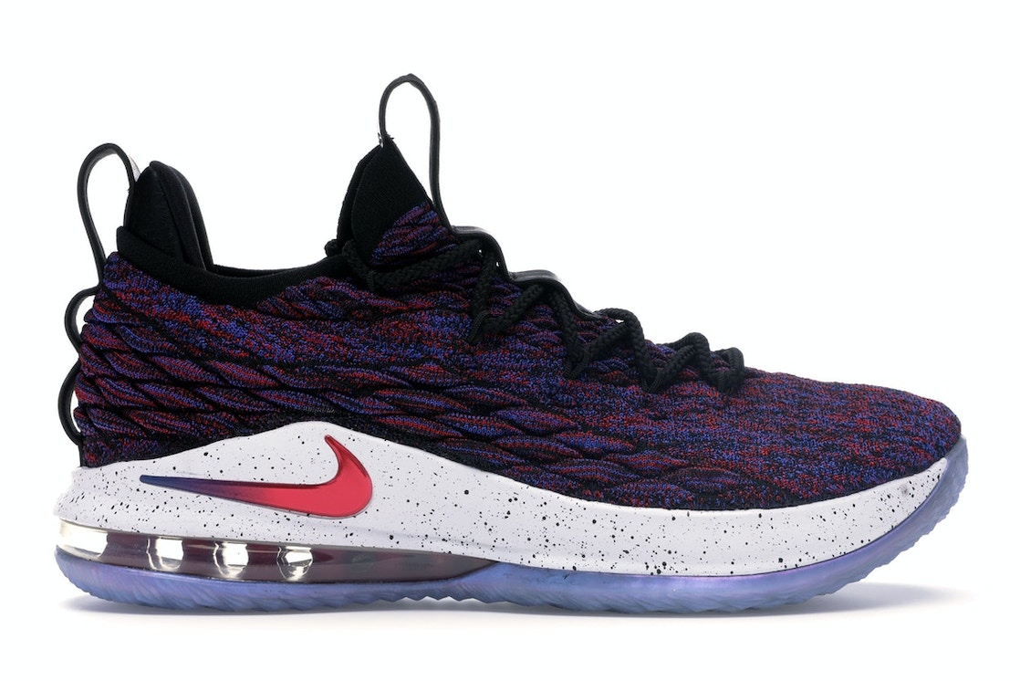 official photos d62cf c7ffc LeBron 15 Low Supernova