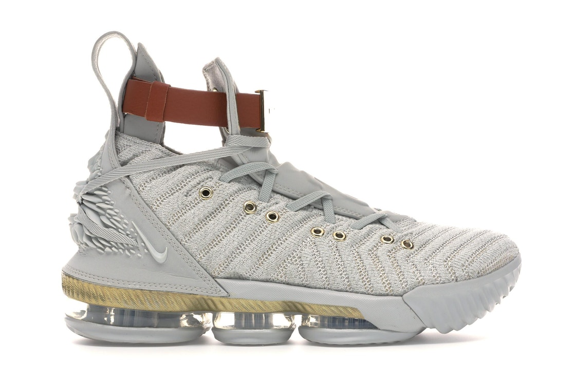 best website 0a855 fc1c2 LeBron 16 HFR (W) • Buy or Sell on StockX today.