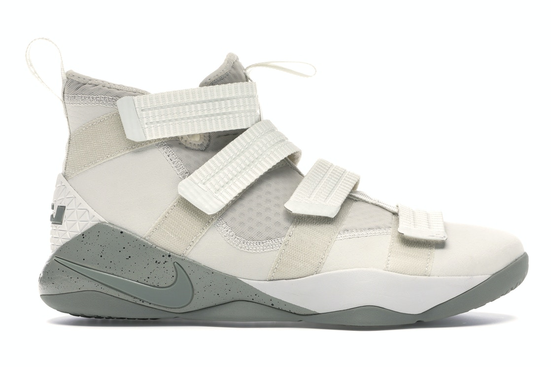 best website c2e3a 12983 Nike LeBron Soldier Xi Sfg Light Bone/Dark Stucco-Black