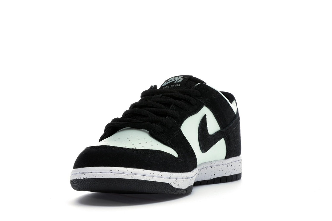 brand new c2081 5822d Nike SB Dunk Low Barely Green