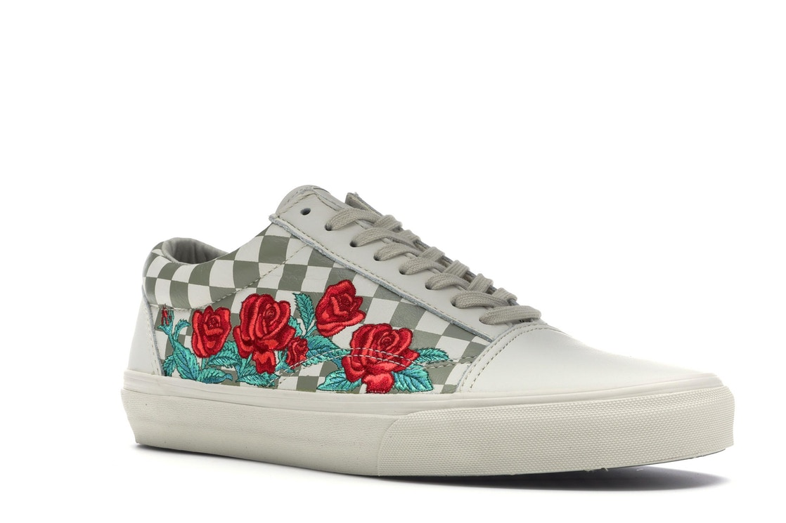 28d76ed77320be Vans Old Skool Rose Embroidery (White) - VN0A38G3QF9