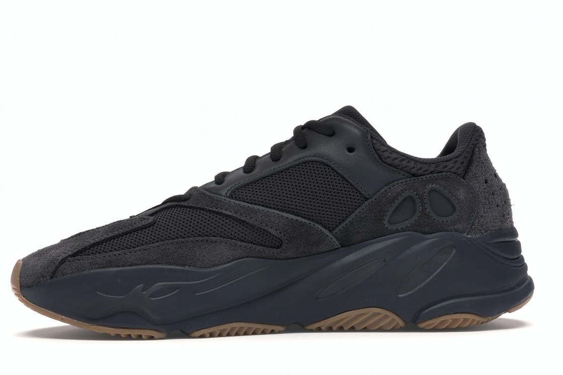 reputable site 42507 74754 adidas Yeezy Boost 700 Utility Black